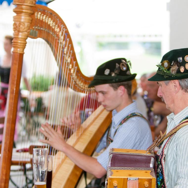Volksmusik mit Harfe